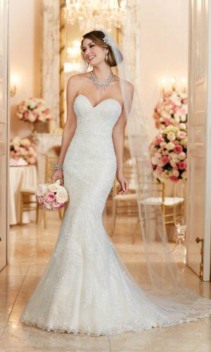 Stella York 6286 Wedding Dress (front)