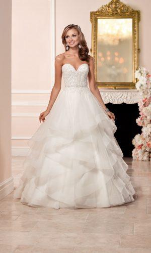 Stella York 6330 Wedding Dress (front)