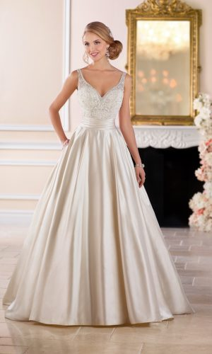 Stella York 6447 Wedding Dress (front)