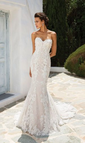 Justin Alexander 8920 d Wedding Dress (front)