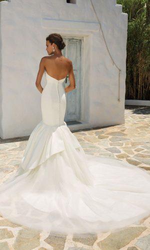 Justin Alexander 8933 Wedding Dress (back)
