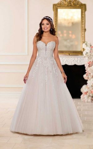 Stella York 6692 1 Wedding Dress (front)