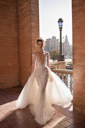 Berta 18 116 1 Wedding Dress (front)