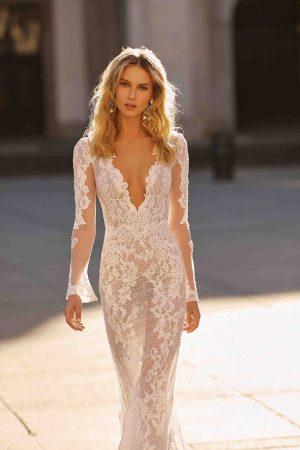 Berta 20 16 Wedding Dress (front)