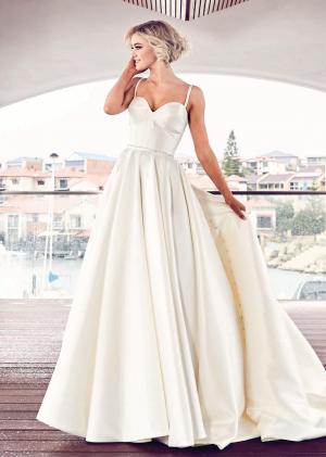 PT Girona Wedding Dress (front)