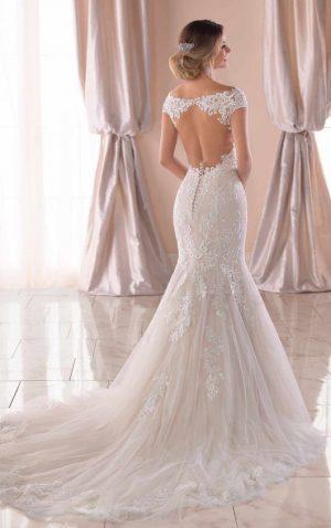 Stella York 6731 Wedding Dress (back)