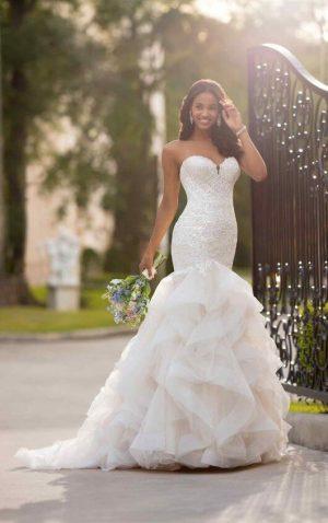 Stella York 6750 Wedding Dress (front)