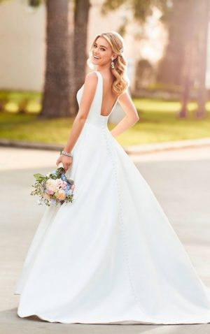 Stella York 6758 Wedding Dress (back)