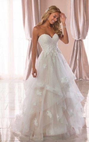 Stella York 6765 Wedding Dress (front)