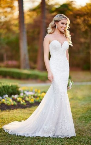 Stella York 6814 Wedding Dress (front)
