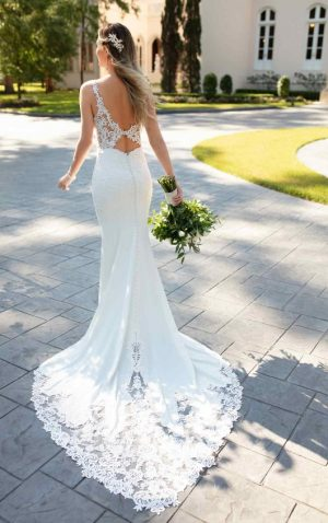 Stella York 6834 Wedding Dress (back)