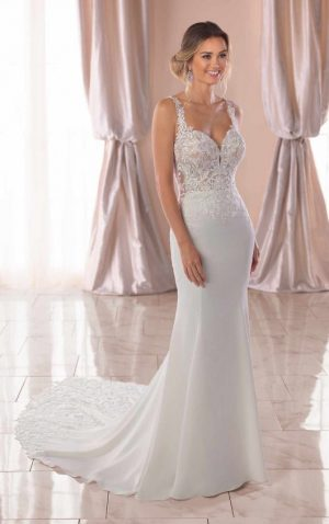 Stella York 6834 Wedding Dress (front)