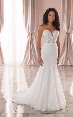 Stella York 6867 Wedding Dress (front)