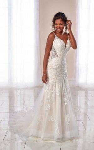 Stella York 7041 Wedding Dress (front)
