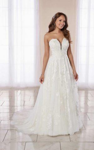 Stella York 7064 Wedding Dress (front)