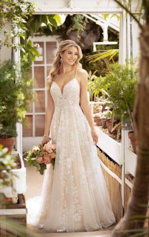Stella York 7065 Wedding Dress (front)