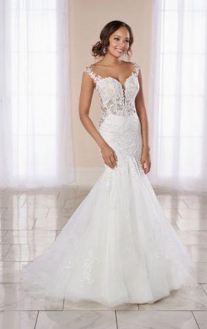 Stella York 7074 Wedding Dress (front)