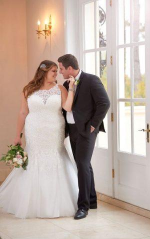 Stella York Plus 6600 Wedding Dress (front)