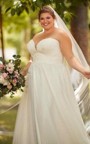 Stella York Plus 6640 Wedding Dress (front)