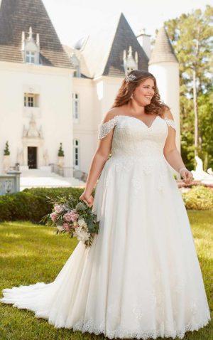 Stella York Plus 6684 Wedding Dress (front)