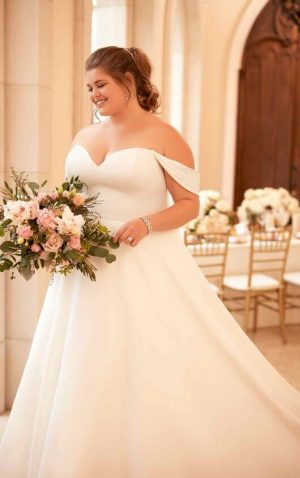 Stella York Plus 6718 Wedding Dress (front)