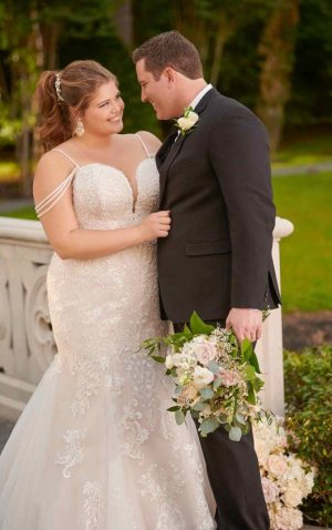 Stella York Plus 6743 Wedding Dress (front)