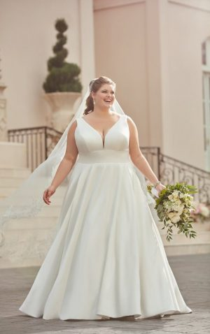 Stella York Plus 6758 Wedding Dress (front)