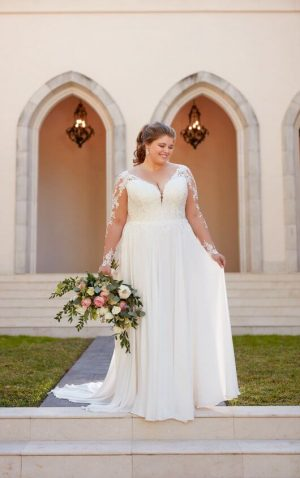 Stella York Plus 6843 Wedding Dress (front)