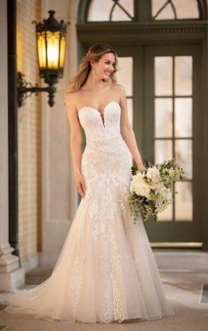 Stella York Plus 7092 Wedding Dress (front)