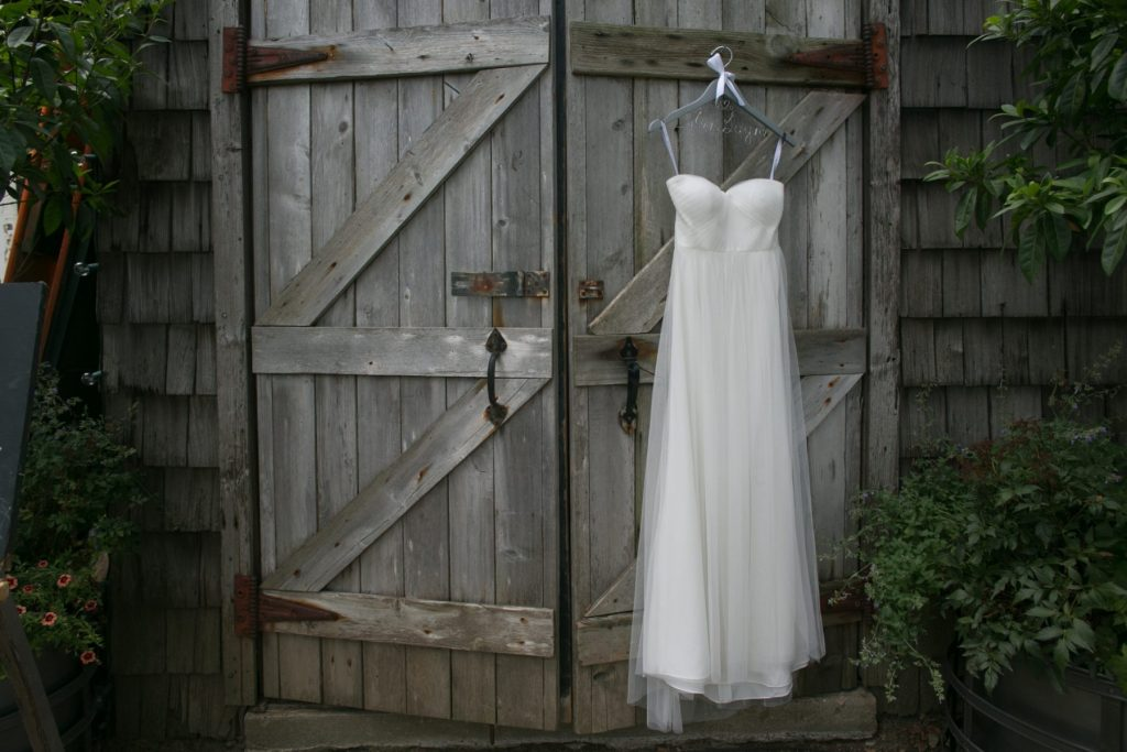 wedding-dress-discussion